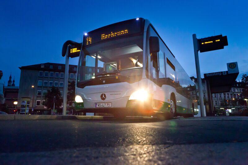 Bus der Linie 14 am Busbahnhof
